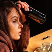 Как бороться с алкоголизмом в домашних условиях